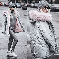 Oksana Orehhova - Sammydress Parka, Zerouv Sunglasses - SUPER CASUAL AND A BIT OF CHIC