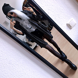 Kimi Peri - Tights, Vii & Co. Vegan Platform Boots, Gift Tunisia Vintage Bag, Vintage Shirt, Sarah Thursday Daydreamer Tee, H&M Black Diy Shorts, Grey Beanie, Vintage Glasses, Choker - Black Vintage