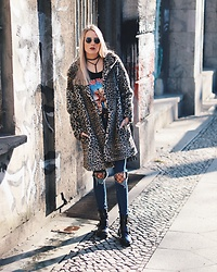 Laura Simon - Zara Leo Coat, Na Kd Black Leather Choker, Iron Maiden Shirt, Asos Black Fishnet Tights, Dr. Denim Blue Ripped Jeans, River Island Black Cut Out Boots, Ray Ban Gold Round - Fishnet Tights x Leo #MBFW