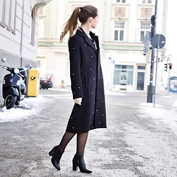 Ina Nuvo - Newlilyparis Coat, Ecco Boots, Calzedonia Ties - Coat Love