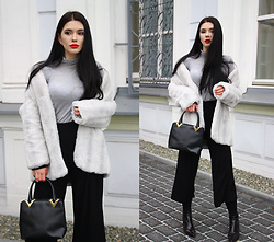 Justyna Lis - Bershka Black Culottes, H&M Grey Turtleneck, Zara White Fur, H&M Leather Boots, Stefano Serapian Black Bag - White fur & red lips