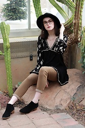 Sophie - Free People Clean Slate Hat, Urban Outfitters Dainty Chain Necklace, Free People Diamond Embellished Tunic, Free People High Roller Skinny, Dolce Vita Low Suede Bootie - Desert Dreams