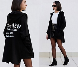 Esther L. - 5 Preview Hoodie, Giant Vintage Kurt Cobain Sunnies, Gamiss B&W Sweater, Missguided Faux Leather Skirt, Zara Ankle Boots - 5 PREVIEW HOODIE