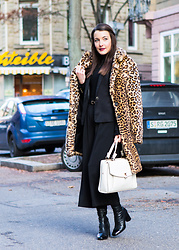 Stefanie -  - Black culottes for winter #3