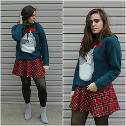 Kaylee Jo - Hot Topic Totoro Sweater, Tripp Nyc As If Plaid Skirt, Public Desire Trisha Ankle Bootie - My Neighbor Totoro