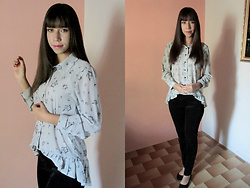 Sakuranko * - Tiny Floral Print High Low Long Sleeve Shirt - Gray Floral