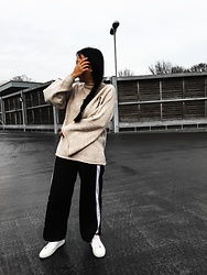 Smriti - Asos Sweater, Asos Side Stripe Trousers, Whistles Trainers - You cant see me!