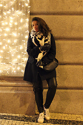 Joana Sá - Zara Scarve, Mango Coat, Mango Gloves, Parfois Bag, Zara Pants, Adidas Sneakers - Freezing