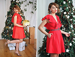 Elena Sandor - Little Mistress Dress, Boden Shoes - How to wear the red dress