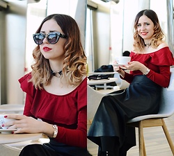 Ola Brzeska - Sinsay Glasses, Cndirect Heart Collar, Bershka Off Shoulder Body, L'attore Leather Skirt - Valentine's Day