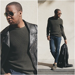 OMARI McNEIL - Lager 157 Olive Sweater, Forever 21 Camo Desert Boots - Sunny Weather & Sweaters