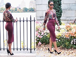 Opal S - H&M Pencil Skirt - BURGUNDY