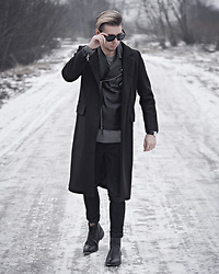 Edgar - Asos Black Sunglasses, Black Wool Blend Overcoat, Zara Black Leather Chelsea Boots, Bershka Black Denim Jeans, H&M Black Leather Jacket, Primark Gray Sweater, Aeon Black Leather Watch - KEEP IT BLACK