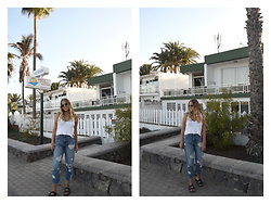 Kaja . - Gina Tricot Top, Mango Jeans, Birkenstock Shoes - FLOWER DENIM