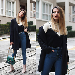 Melike Gül - Romwe Coat, Romwe Two In One Sweater, Sheinside Jeans, Romwe Boots, Sheinside Bag - Two in One
