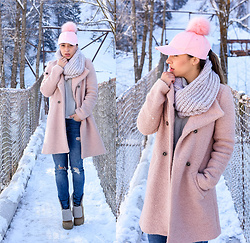 LAURA Charaba - Zara Pink Coat, Pink Hat - Pink winter