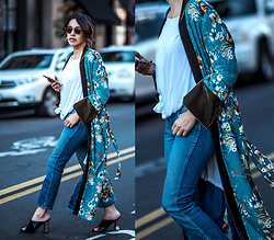 Francesca Felix - Zara Kimono Robe, 7 For All Mankind Cropped Blue Jeans, Topshop Black Mules - Making a statement