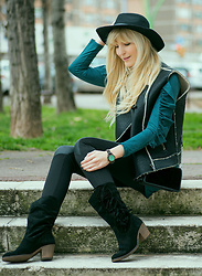 Tijana J.D - Primark Black Hat, Mango Black Vest, Bershka Teal Ruffle Tunic, Tex Little Black Velvet Bag, Esmara Black Faux Leather Leggings, Tex Black Fringe Suede Boots, Jord Sandalwood Mint Watch - Black & Teal