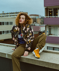 Rachel Ecclestone - Nike Air Max Thea, Topshop Bomber - Nike's and the 90's