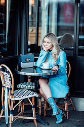 Joicy Muniz - Tommy Hilfiger Coat, Tommy Hilfiger Bag, Sneaky Fox Socks - All blue