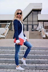 My Philocaly - H&M Blazer, Michael Kors Sunnies, H&M Long White Shirt, Michael Kors Crossbody Bag, Zara Denim, Converse Chucks - How to Casual Chic