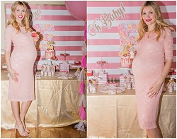 Eleonora Albrecht - Pink Blush Lace Dress - Baby Shower look