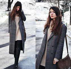 Alexandra M. - Chic Me Knitted Sweater Dress, H&M Long Checked Coat - Simple attitude