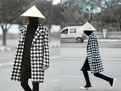 Younes Bouadi - Asian Conical Hat, High Neck Longsleeve, Black White Coat, Black Skinny Jeans, Roose Bicolor Lace Up Oxfords Shoes - M A F I A  J A P A N