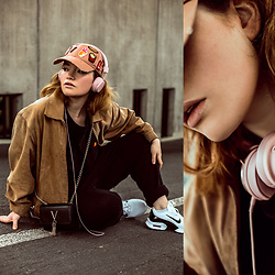 Rachel Ecclestone - Scotch & Soda Snapback, Nike Air Max, Urban Ears Headphones - Amsterdam casual