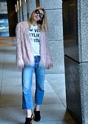 Dani Mikaela McGowan - Tees And Tank You Statement Tee Shirt, Urban Outfitters Pink Faux Fur Jacket, Gap Straight Leg Cropped Jean, Madewell Black Clogs, Forever 21 Vintage Round Sunglasses, Vintage Pearl Choker - Play it Cool