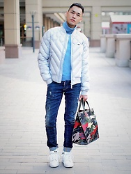 Chris Su - Zara Knit, Lacoste Down Jacket, Dsquared2 Jeans, Valentino Bag, Adidas Sneakers - Blue