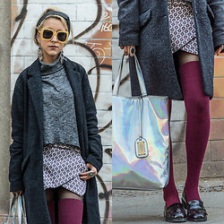 Diana Manolova - Zara Turtle Neck Sweater, Zara Skort, Stradivarius Stockings, Pull & Bear Loafers, Only Coat, Buffalo Metallic Shopper, Zara Hairband, Sunglasses - Berliner Tales