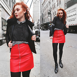 Trixie Belle (instagram = TRIXANDTHECITY) -  - RED MINI