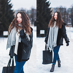 Gabriela Grębska - Sweater, Jacket, Jeans, Bag, Scarf, Boots - Second hand shopping