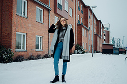 Agnija - Romwe Jeans, Ellos Boots, New Yorker Turtleneck, Gina Tricot Scarf - Casual