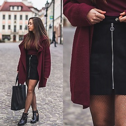 Gabriela Grębska - Shein Cardigan, Bag, Skirt, Blouse, Boots, Fishnet Tights - Fishnet tights