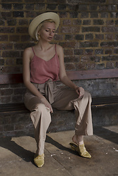 Magdalena M - H&M Trousers, Armando Pollini Mules - London: Vintage Pollini mules + cotton wide leg trousers