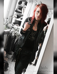Kvicka Ajvi - Error Fashion (My Own) The Gazette Top, Punkrave Visual Kei Shirt, Punkrave Visual Kei Skirt, Clockhouse Black Pants, Secondhand Store Black Cardigan, Ebay Punk Chocker, The Gazette Concert In Munich ^.^ Uruha's Pick - In Dark Long Night