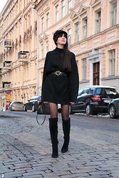 Paz Halabi Rodriguez - Asos Sailor Cap, Zara Oversized Black Sweater, Zara Leather Belt, Zara Black Golden Ring Bag, H&M Black Over The Knee Boots - Belted and ready to go!