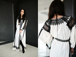 Ksenia Murashka - Murashka Design Dress - Traditional arabic abaya style