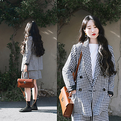 Autumn Kim - Phila Petra Gingham Check Jacket, Phila Petra Gingham Check Skirt, Phila Petra Giltter Ballet Flat Shoes, Phila Petra Square Leather Bag - Spring suit