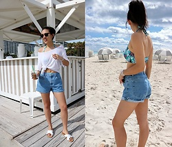 Sheila -  - Spring Break Casual Beach Outfit