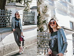 Andreea Birsan - Hot Pink Linda S Bag, Check Pants, Printed T Shirt, Sequin Blazer, Silver Metallic Mules - How to wear a sequin blazer during the day
