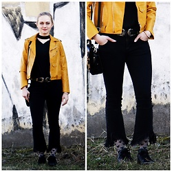 Natalia Piatczyc - Gamiss Yellow Biker Jacket, Zaful Black Choker Blouse, Gamiss Black Belt, Primark Mickey Mouse Socks, Adidas Black Sneakers, Sammydress Black Flower Bag - Yellow submarine