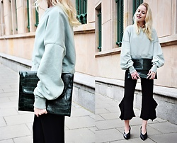 TripByTriplets B. - Mohito Bag, H&M Sweathshirt, Zara Pants, Zara Shoes - SPORTY CHIC & SLEEVES