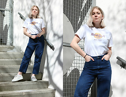 Manon Dijkhuizen - Vintage T Shirt, Cos Jeans, Vintage Sneakers - Hard Rock Cafe