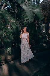 Lisa Linh -  - The Luau