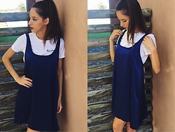 Delfi Villamil - Tuba Showroom Short Blue Dress, Topshop Bad Habits Tee - Blue dress