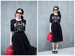 Lisa Valerie Morgan - Metisu Dress, Christian Dior Bag - Black Embroidered Floral Dress