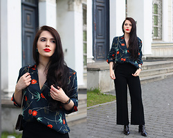 Justyna Lis - New Look Black Pants, Asos Floral Shirt, H&M Boots - Floral shirt & red lips